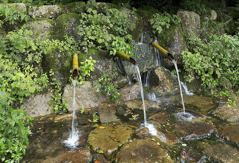 矢作川の源流茶臼山名水